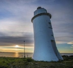 Coorong_Realty_point-malcolm-lighthouse